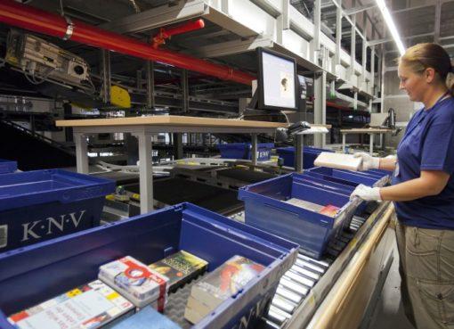 Packzentrum beim Buchgroßhändler KNV