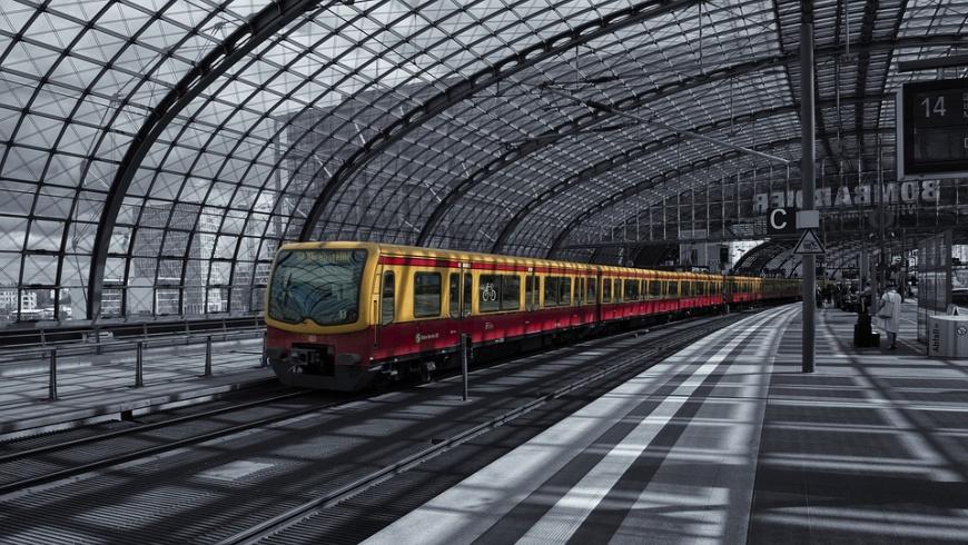 S-Bahn im Berliner Hauptbahnhof