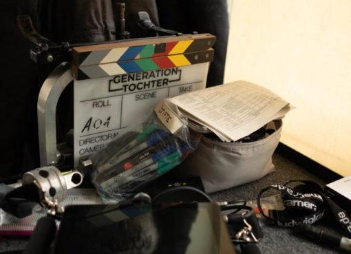 GENERATION TOCHTER: Klappe und Filmaustattung